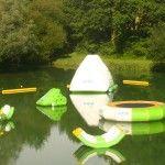 Aquaparc sur l' étang de baignade en Dordogne