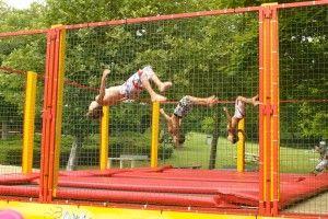 Accès libre sur ce grand trampoline