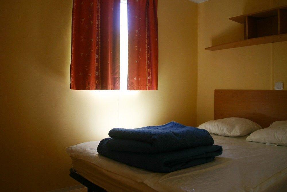 Chambre avec emplacement lit bébé